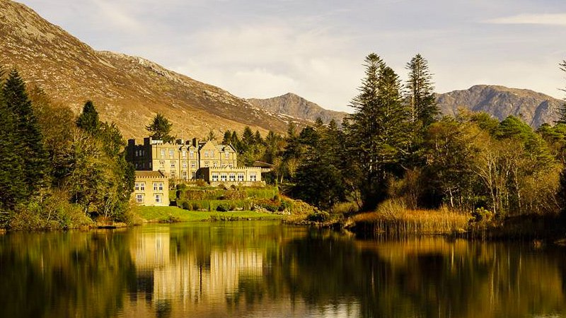 Ballynahinch Castle view over lake