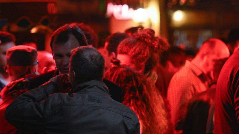 Government Asks All Pubs To Close And For No House Parties