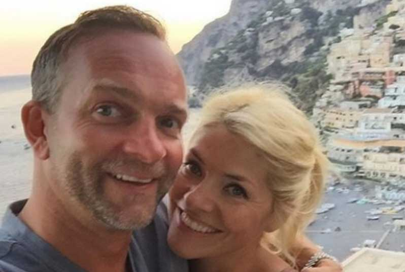 A photo of Holly Willoughby and Dan Baldwin on holiday
