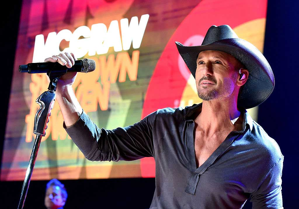 Tim McGraw performing live