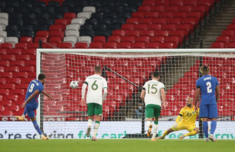 Republic of Ireland overpowered as England ease to victory