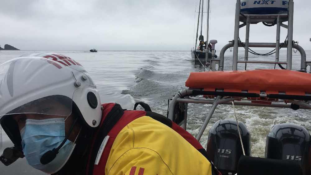 Baltimore RNLI Involved In Medical Evacuation From Sherkin Island Last Night