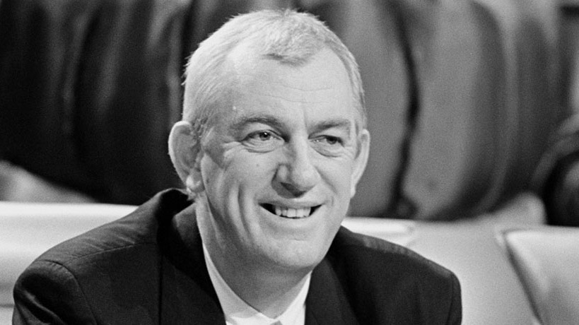 Tributes are being paid to songwriter and broadcaster Shay Healy, who's died at the age of 78
