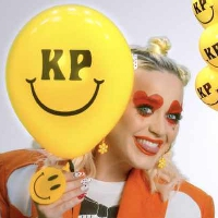 Katy Perry releases the performance video for 'Smile'