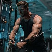 Chris Hemsworth is trending on Twitter